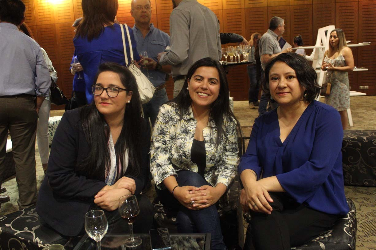 Samantha Burkhardt, Dinelly Pacheco y Paulina Rodríguez