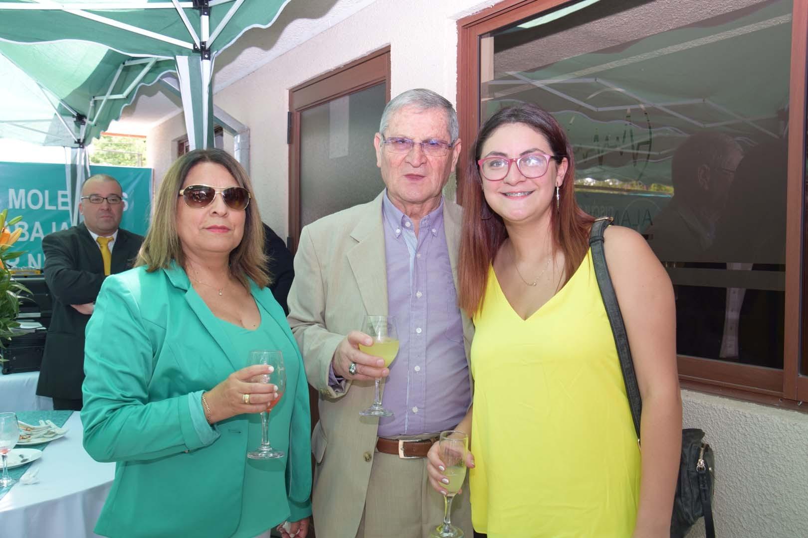 Carmen Fuentes, Víctor Sepúlveda y Camila Sepúlveda