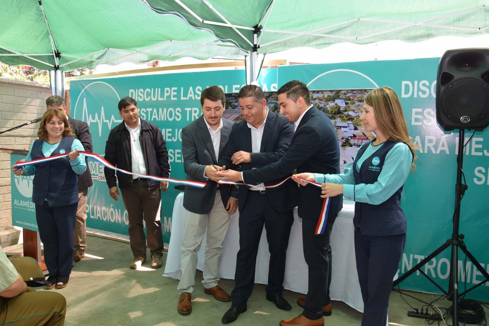 Corte de cinta Inauguración oficial de Centro Médico Alamédica en San Carlos