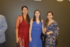Gisela Penroz, Gloria Benavides y Paz Espinoza.