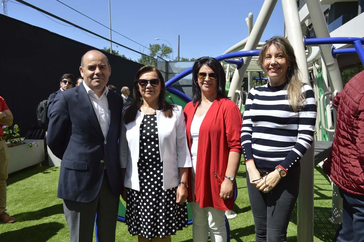 Juan Ramírez, Sara Vielma, Ana Gajardo y Amparo Balbontín