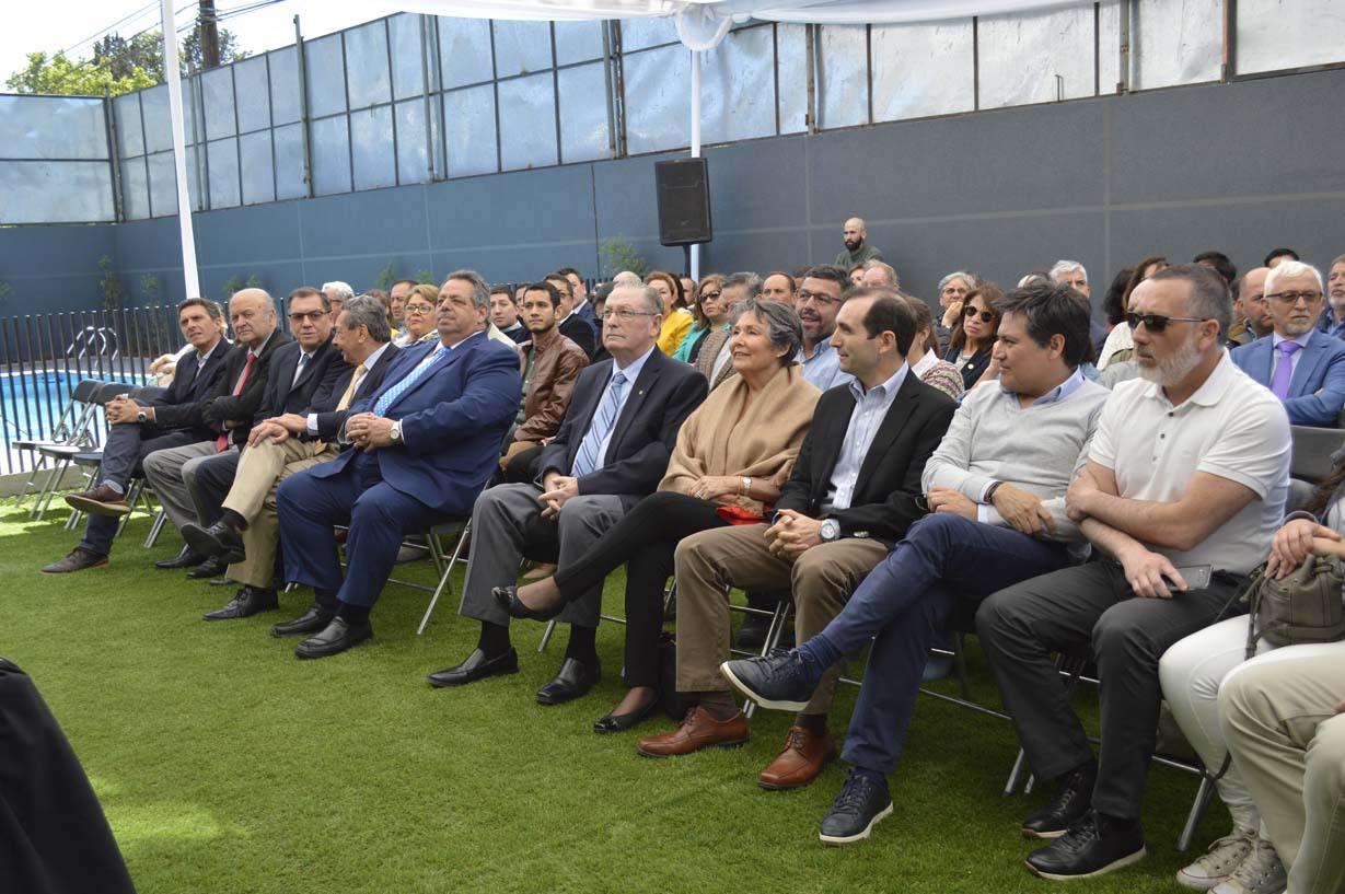 Público asistente a la inauguración el edificio Mirador Oriente