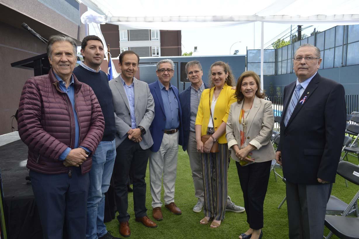 René Poblete, Alejandro Parada, Rodrigo Escobar, Carlos Sierra, Ignacio Goldaracena, Alejandra Sierra, María Eugenia Rojas y Ariel Larenas
