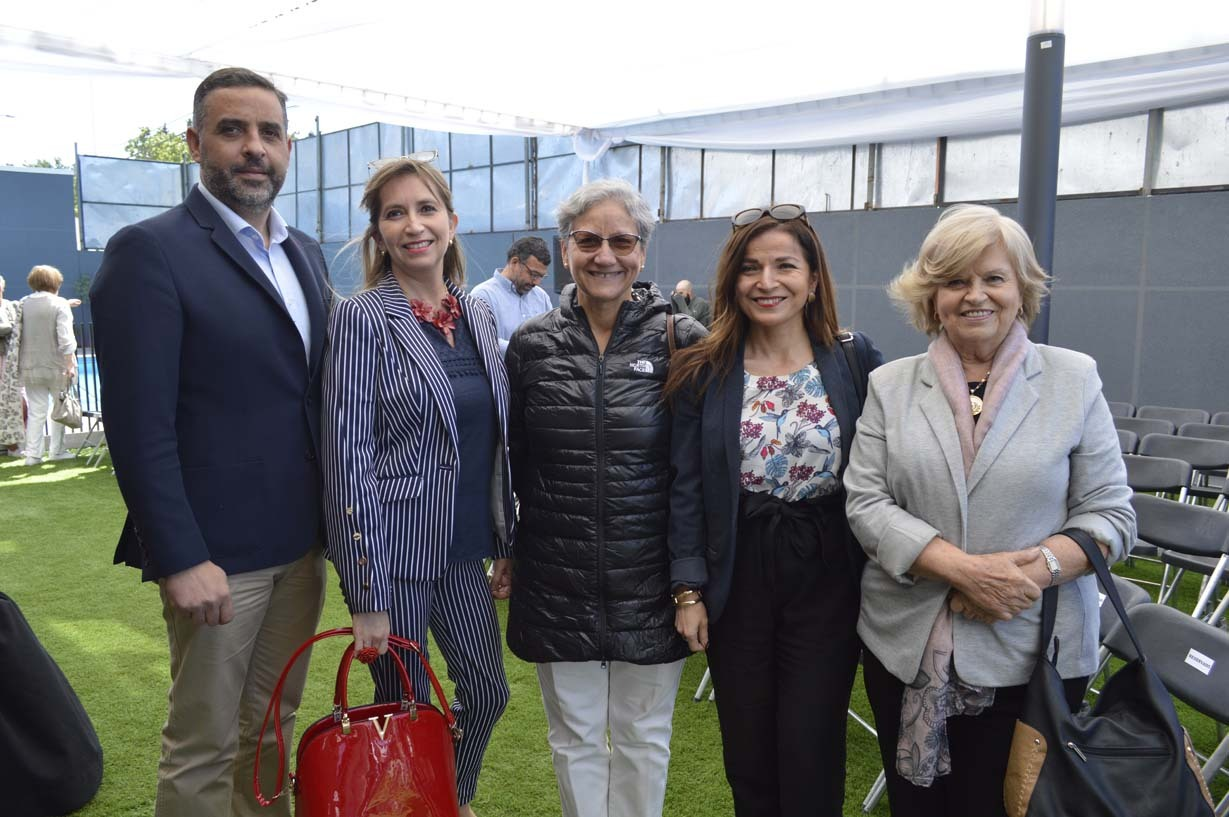 Carlos Contreras, Lily Maturana, María Angélica Fuentealba, Valeria Arriagada y María Eugenia Piel