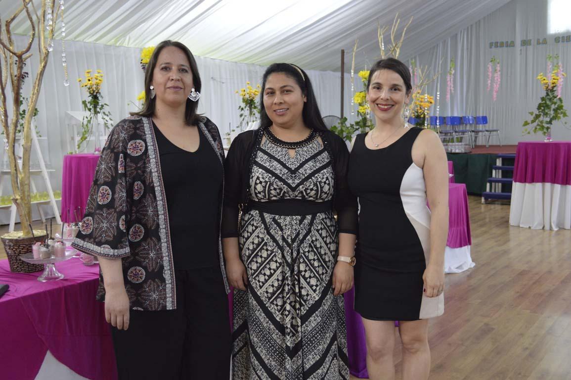 Carola Fuentes, Sara Muñoz y Esperanza Gaete
