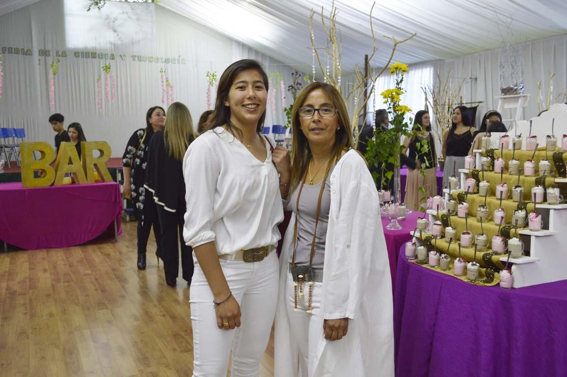 Renata Centeno y Paula Centeno