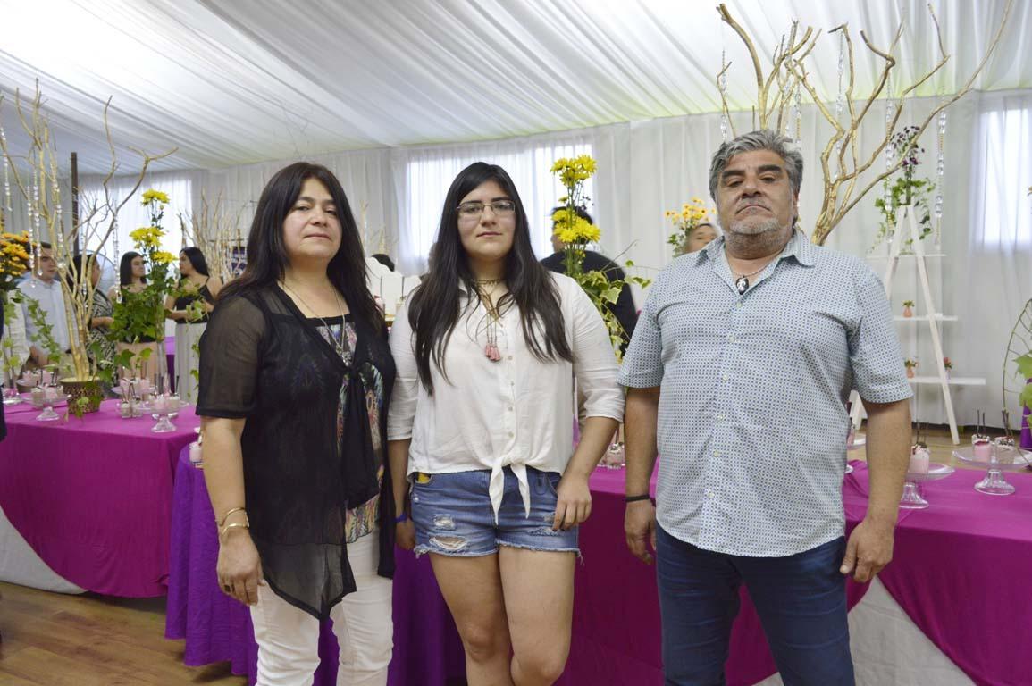 Paula Retamal, Antonia Henríquez y Milton Henríquez