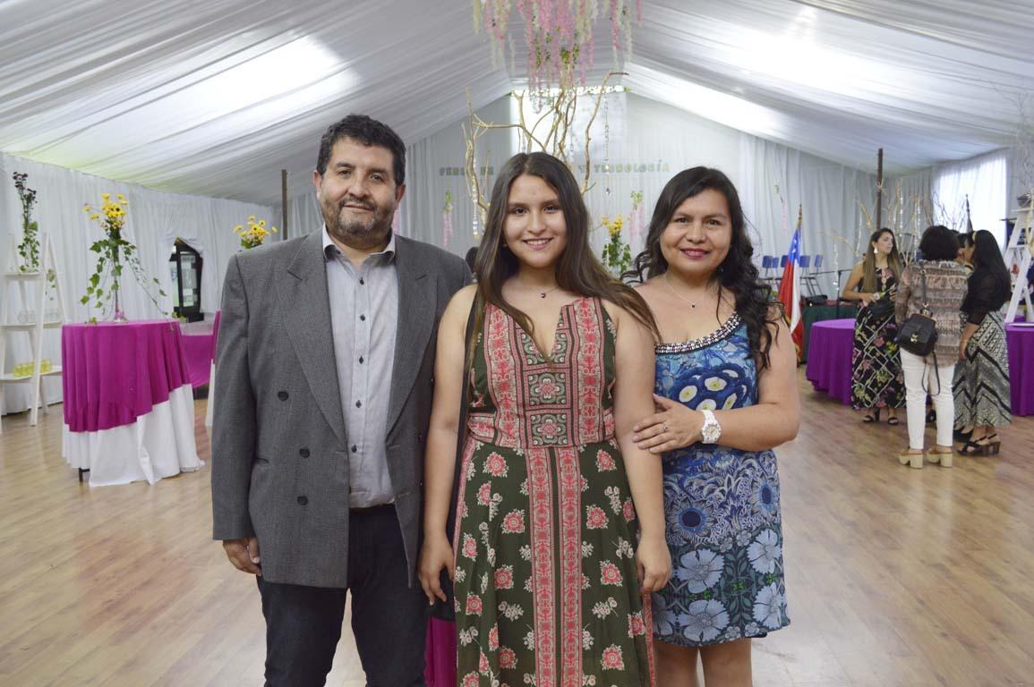 Orlando Fuentealba, Rocío Fuentealba y Julia Moraga