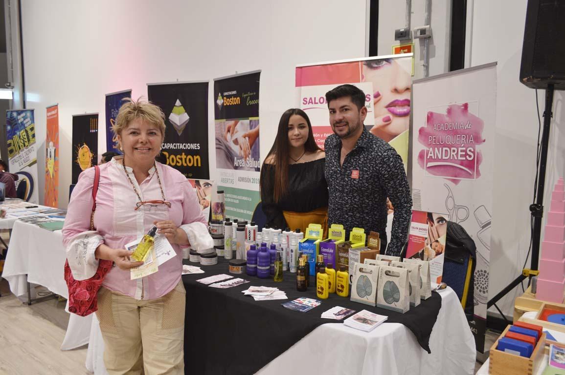 Jacqueline Candia, Helen Aguilera y Rodrigo Pereira