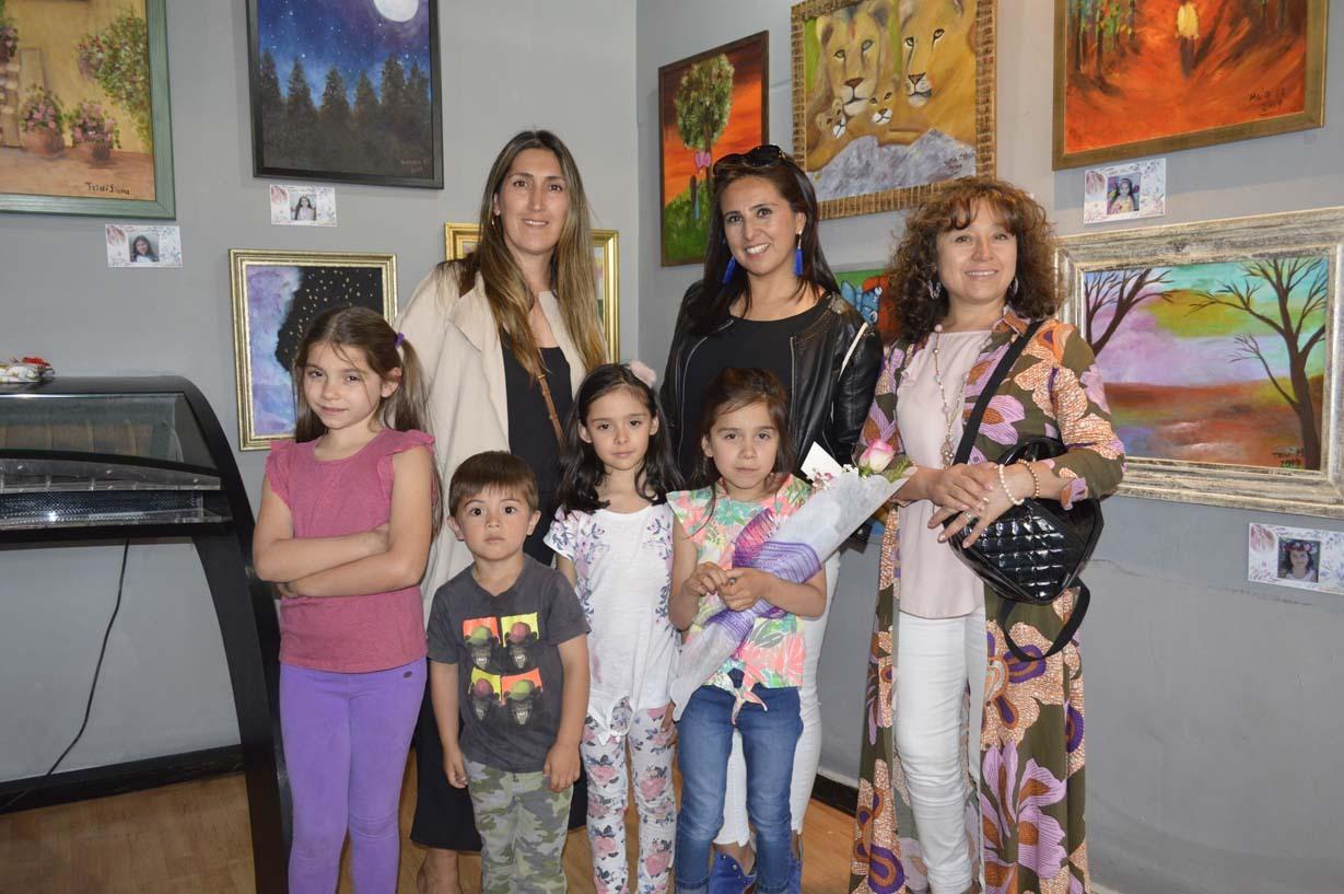 Maritza Alarcón, Leticia Contreras, Delfina Figueroa, Aleida Vaccaro, Pedro Zúñiga, Amalia Moll y Agustina Morales