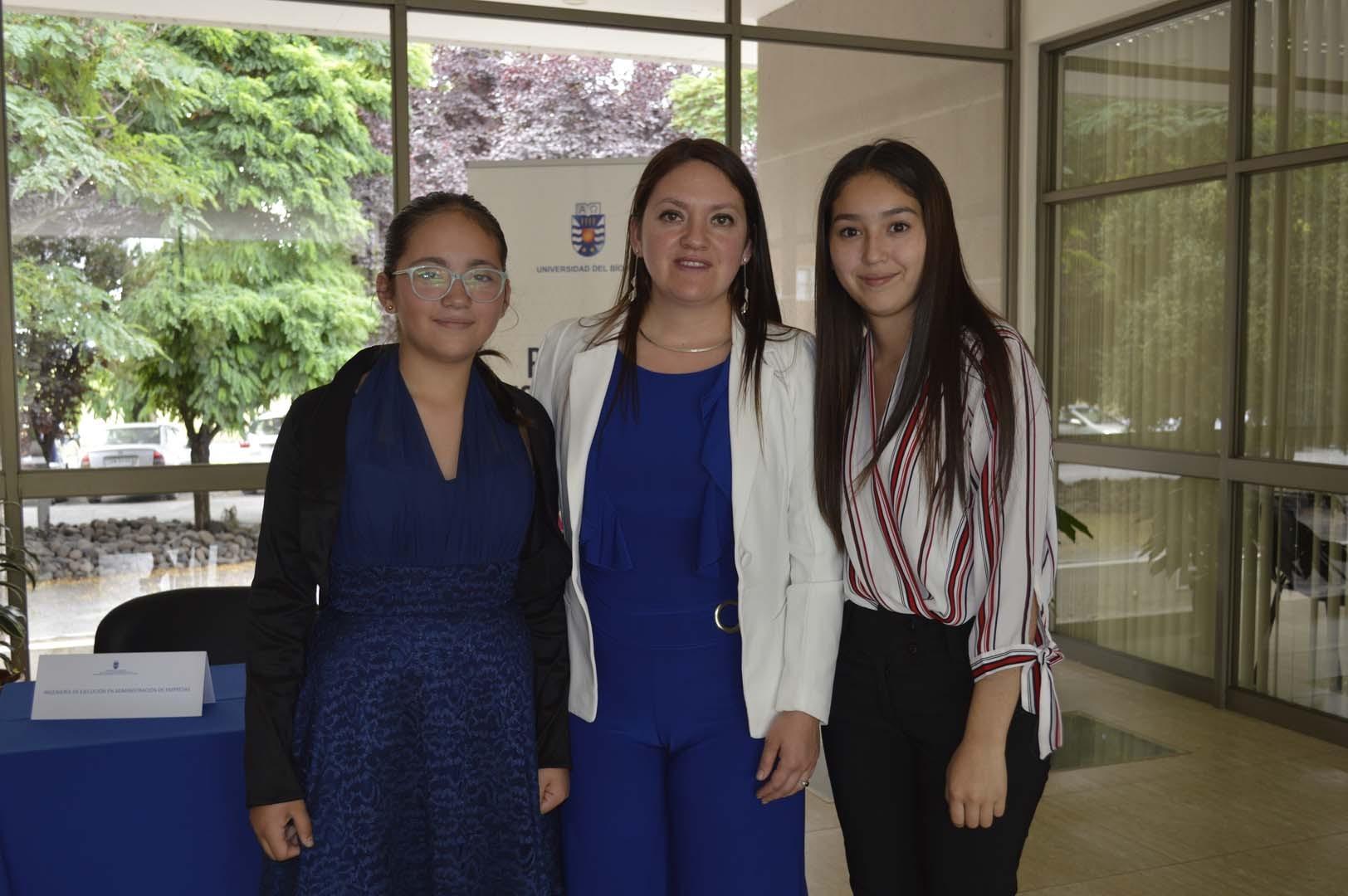 Martina Venegas, Daniela Riquelme y Madeleine Mardones