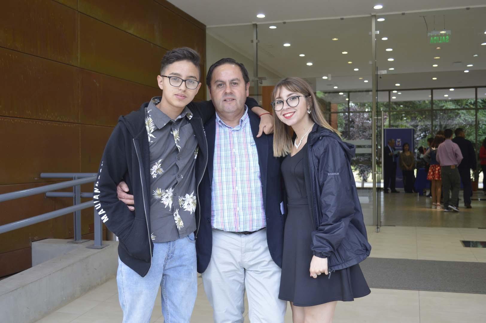 Sebastián Vásquez, Juan Vásquez y Carla Vásquez