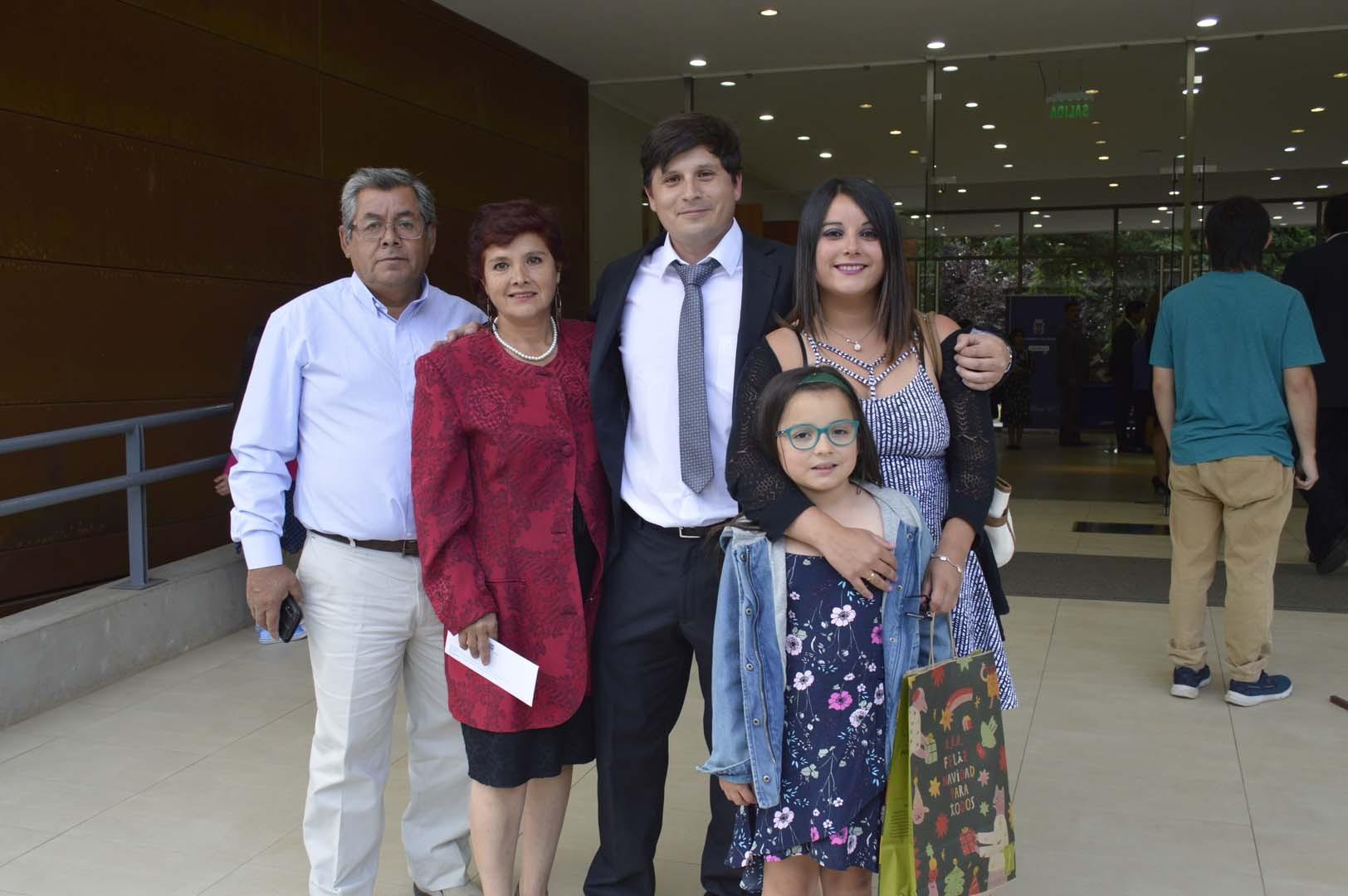 Adrián Campos, Nadia Riquelme, Josué Nabrat, Madelyn Mella y Magdalena Nabrat