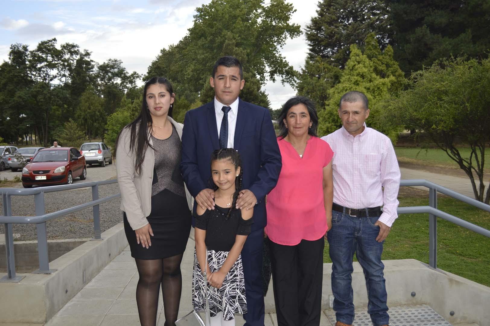 Maritza Jiménez, Cristian Ponce, Gladys Sandoval, Luis Ponce y la niña Pía Ponce