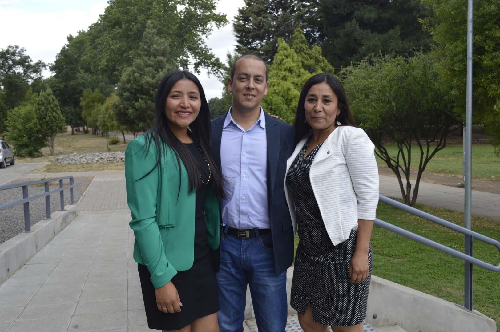 Marlene Parra, Kim Acevedo y Rosa Ubilla