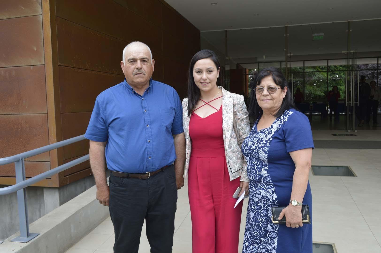 Bernardo Riquelme, Judith Riquelme y Leonor González