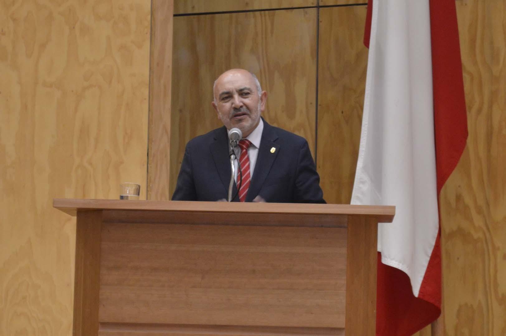 Benito Umaña, Decano Facultad de Ciencias Empresariales UBB