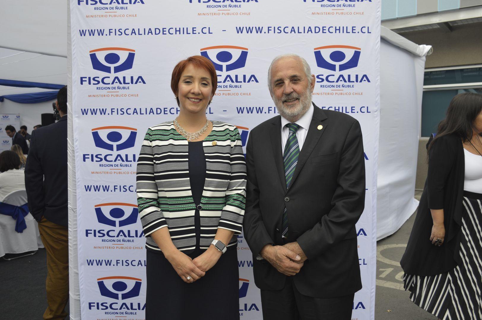 Nayalet Mansilla (Fiscal Región de Ñuble) y Jorge Abbott (Fiscal Nacional).
