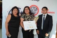 Claudia Zambrano, Elizabeth Flores Zambrano y Jorge Flores