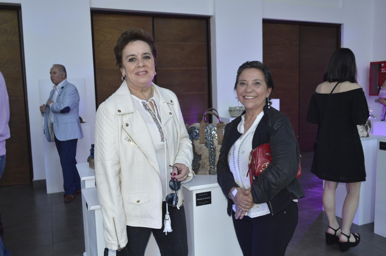 María Antonieta Solís y Luz María Rubilar