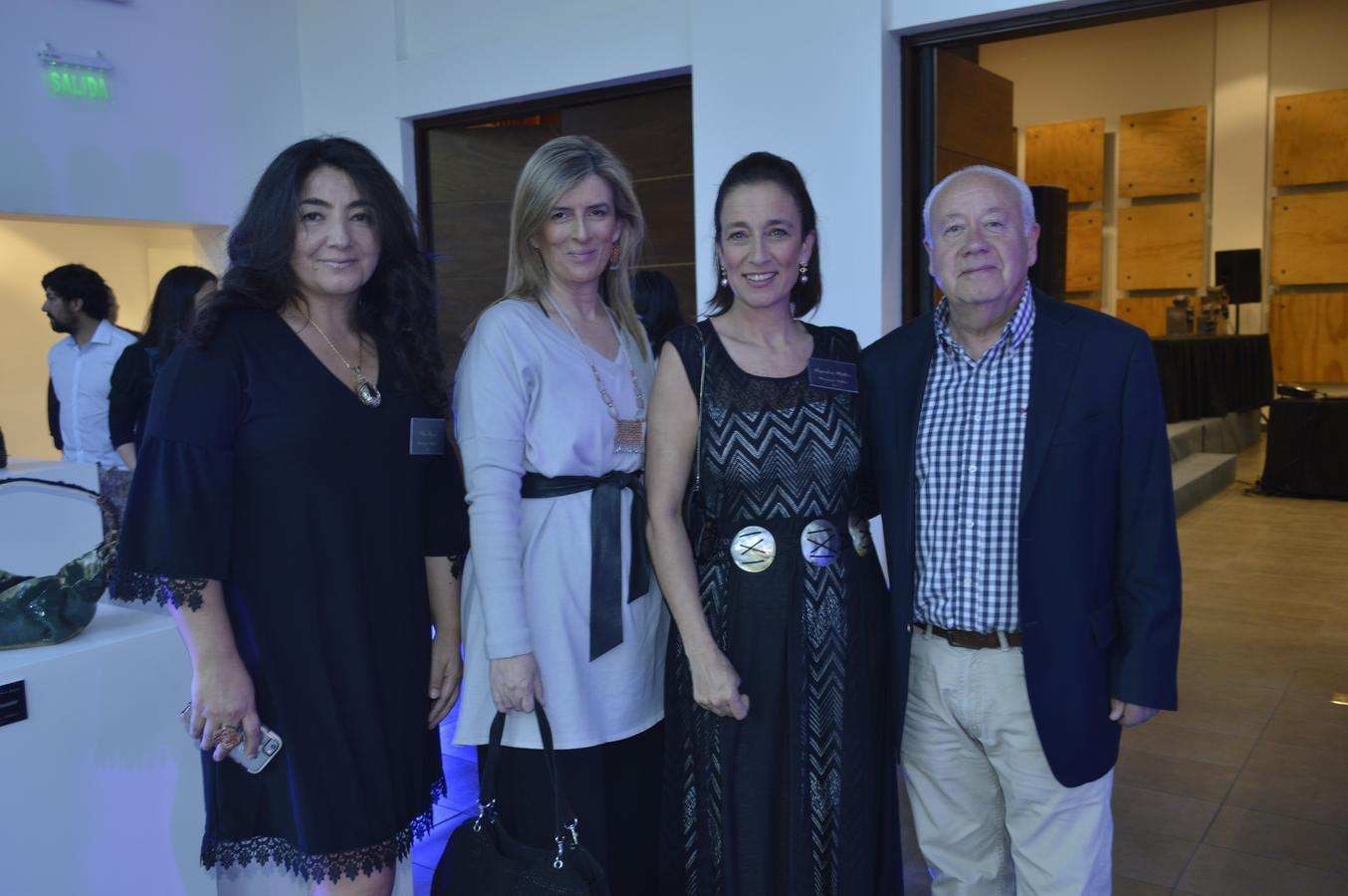 Pilar Flores, Marjorie Tassara, Alejandra Müller y Renato Valderrama