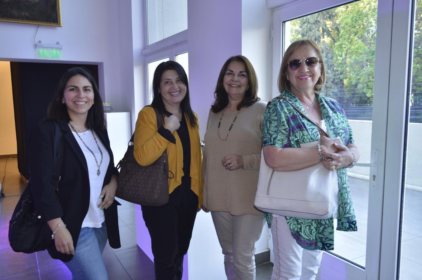 Emylú Arriagada, Isabel Sanhueza, Marilén Osorio e Isabel Serrano