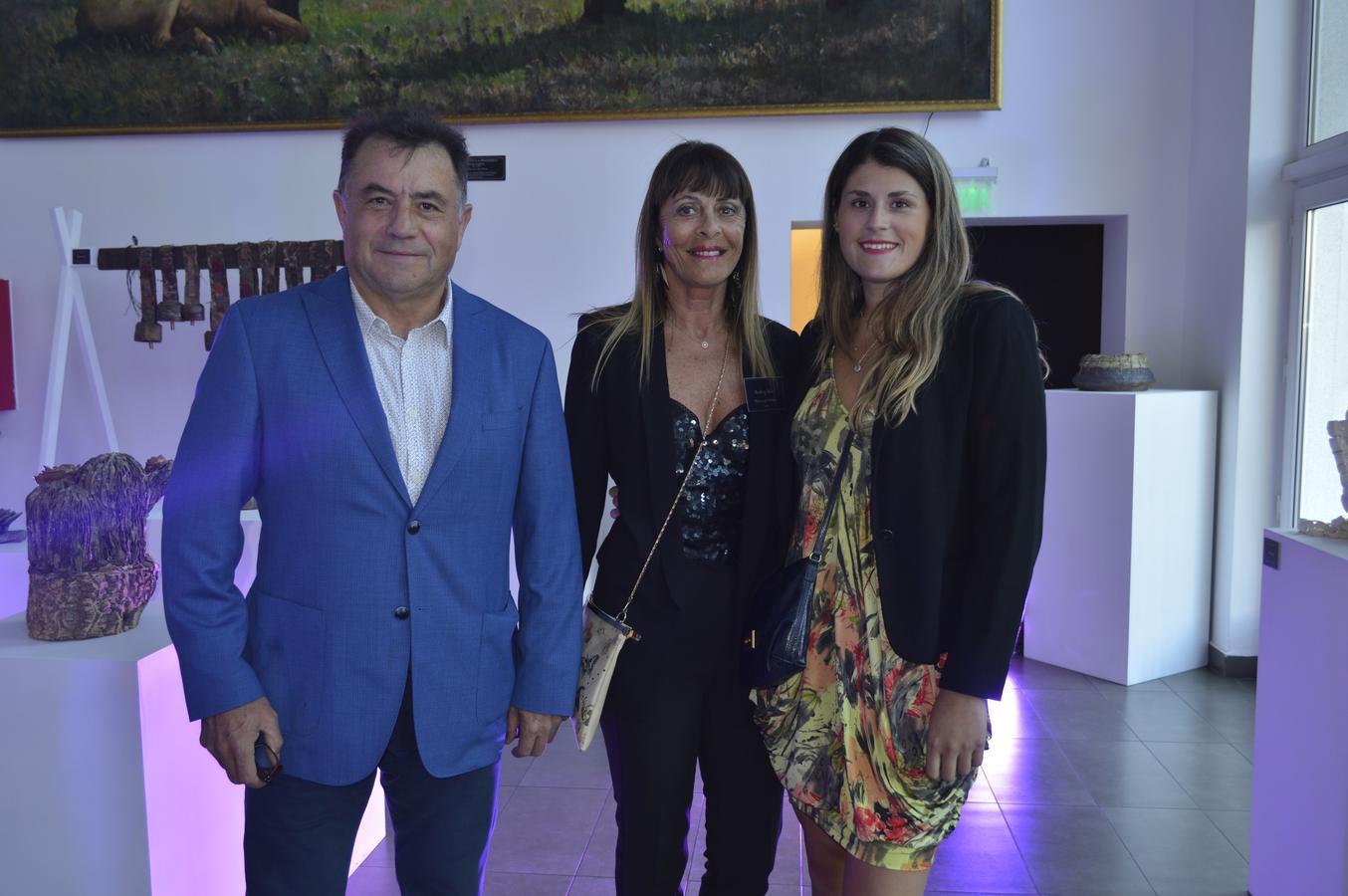 Luciano Duco, Beatriz Soler y Beatriz Duco