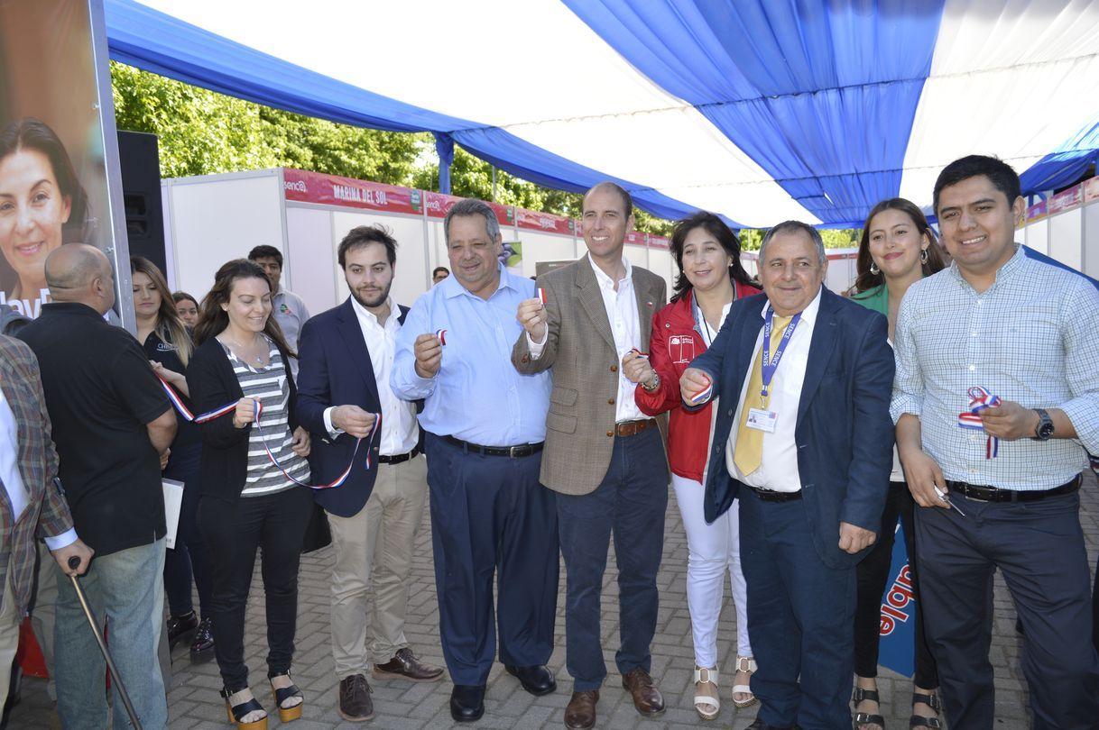 Sence realizó exitosa Feria Laboral en Chillán