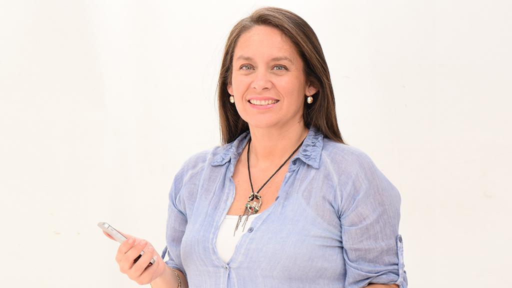 Virna Veas Flores, periodista