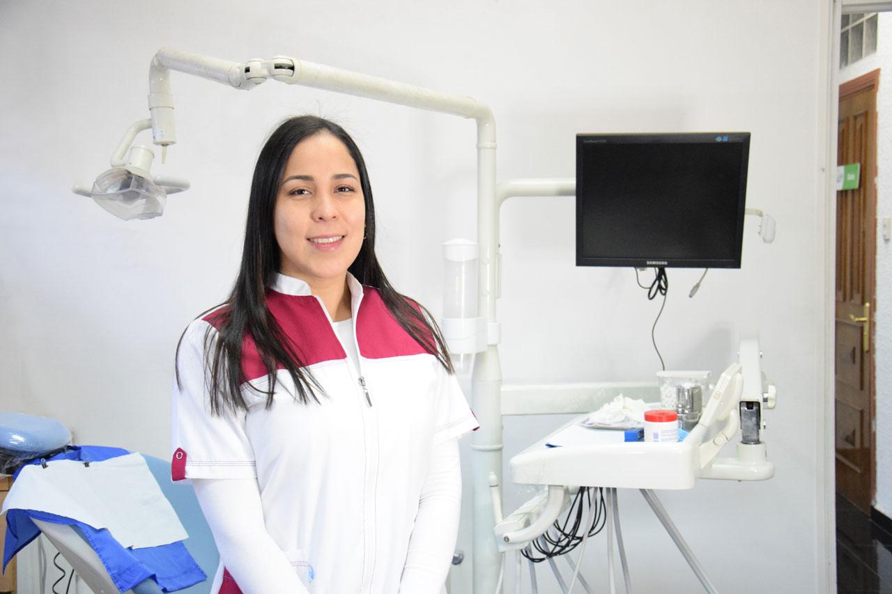 Photo of Después de la ortodoncia o brakets ¿Para qué sirve la contención o retenedores?