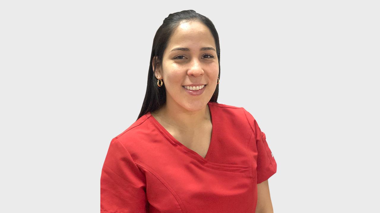 Lina Martínez, odontologa clínica Denty Smile Chillán