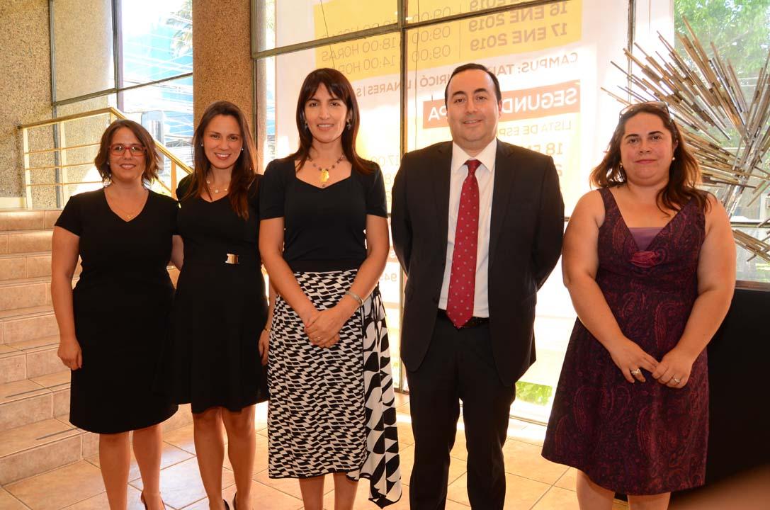 Soledad Schott (Directora Cepa UTalca), Katherine Núñez (Directora Dirección de Diplomados UTalca), Lorena Castro, Iván Coydan (Vicerrector de Vinculación con el Medio UTalca) y Claudia Morales