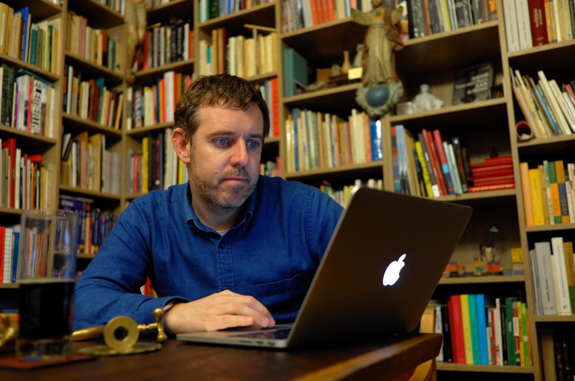 Photo of Guillermo García, gerente general Coexca S.A., poeta, bibliófilo y maulino ligado a la cultura