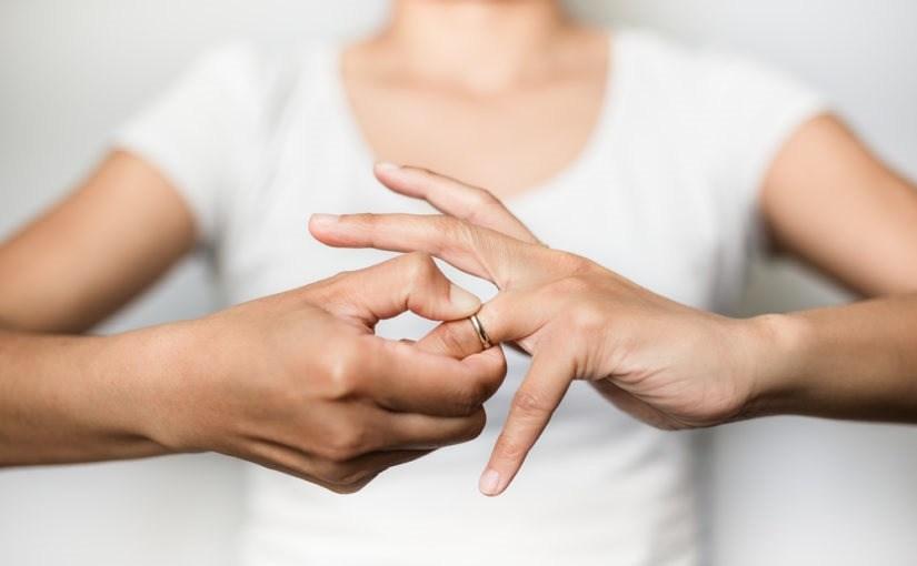 Photo of Adiós al anillo: 5 razones para divorciarse