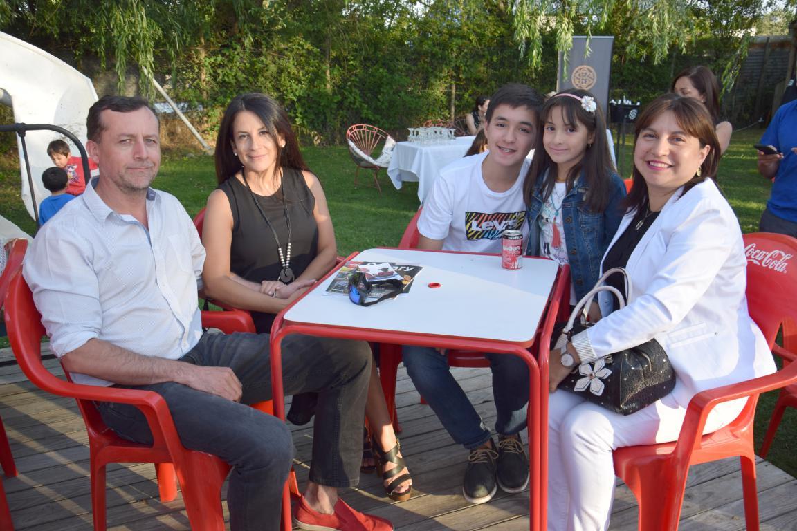 Alberto Dimter, Ana María Soto, Ignacio Orellana, Fernanda Orellana y Carolina Tolosa