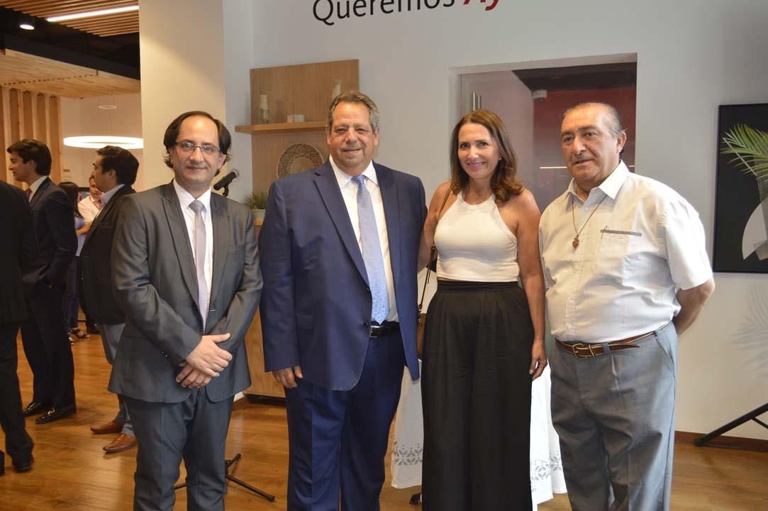 Carlos Ilabaca, Sergio Zarzar, Carla Castilla y padre Fernando Varas