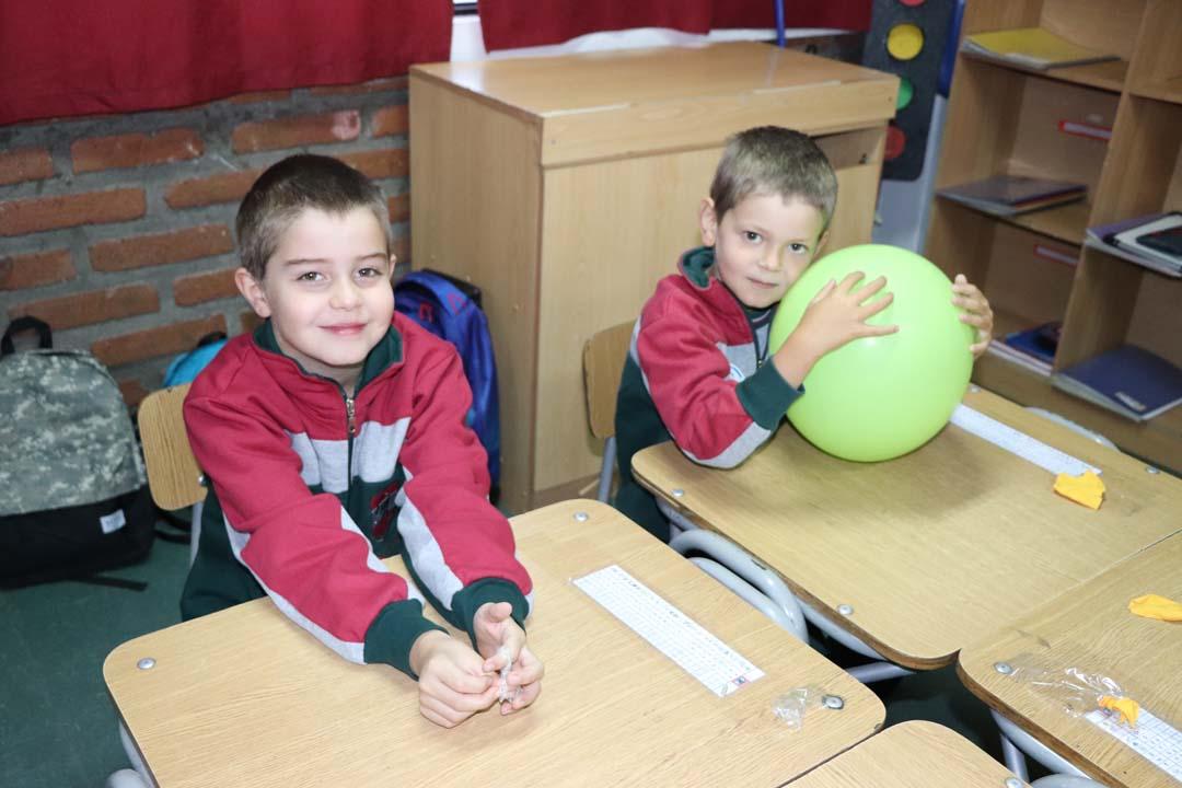 Ernesto Rojas y Diego Molina alumnos de 1° básico