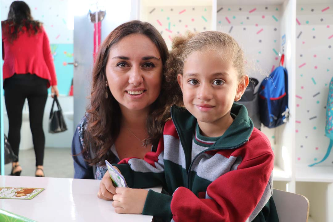 Iris Maureira y Renata Ponce de León