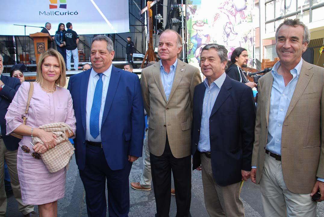 Gloria Riquelme, Sergio Zarzar, Antonio Walker, Juan Antonio Coloma y Rodrigo Balbontín