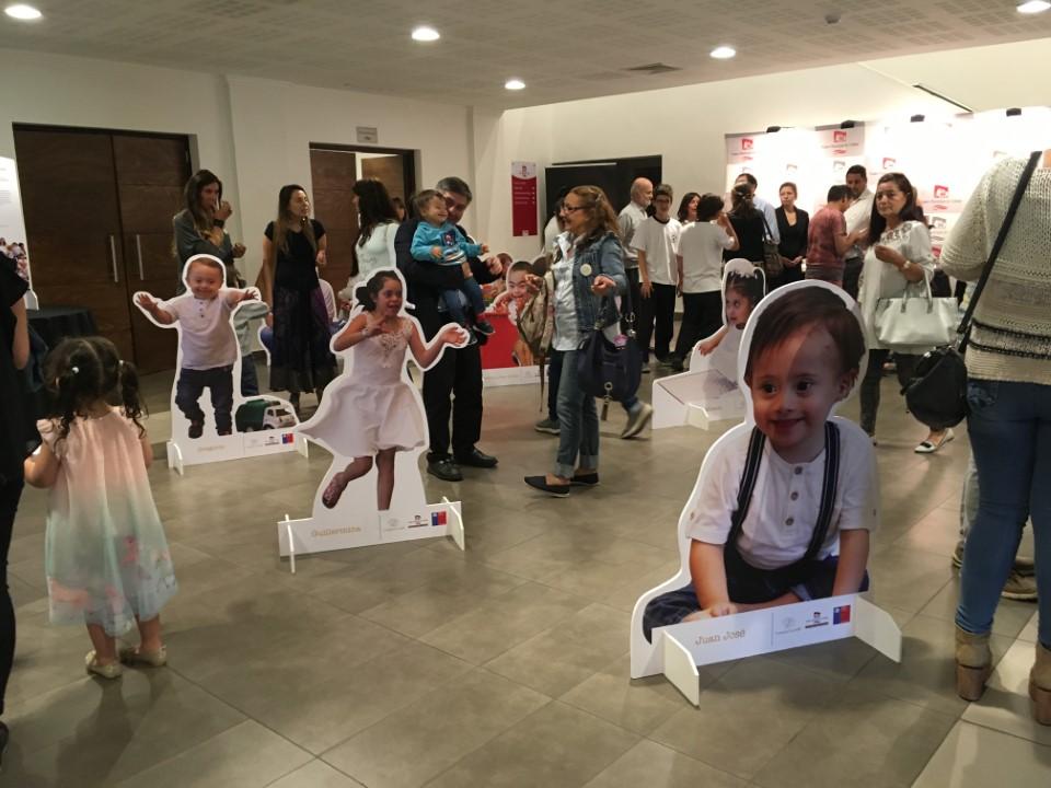 Photo of Fundación DownUp! Ñuble exhibe muestra fotográfica de niños y jóvenes con síndrome de Down