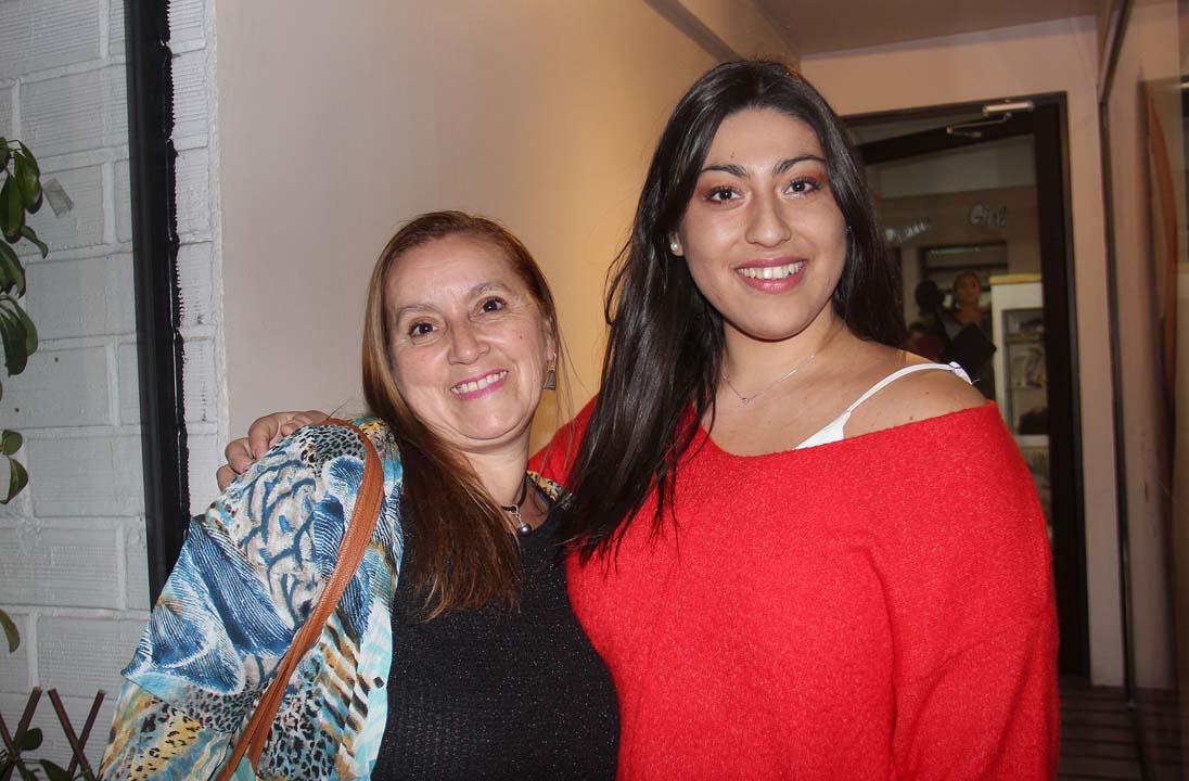 Elizabeth Godoy y Catalina Fuentes