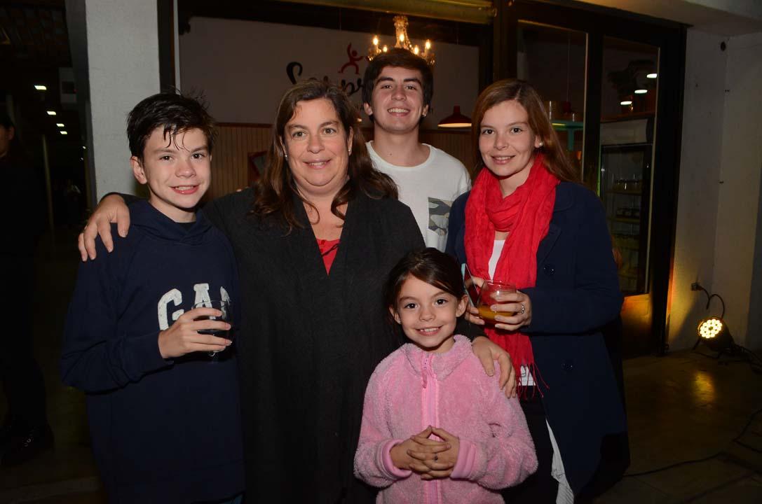 Nicolás León, María Paz Joannon, Sofía León, Rodrigo León y María Paz León