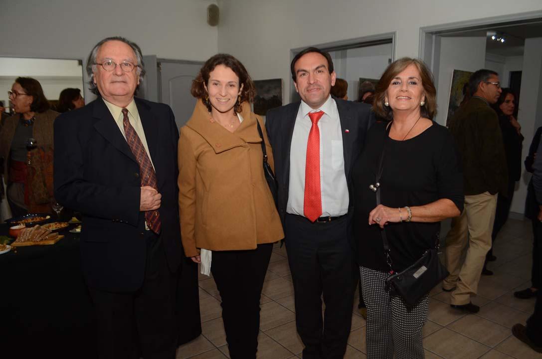 Manuel Ramón Espinosa, Ángeles Coloma, Felipe Donoso y Ana María Silva