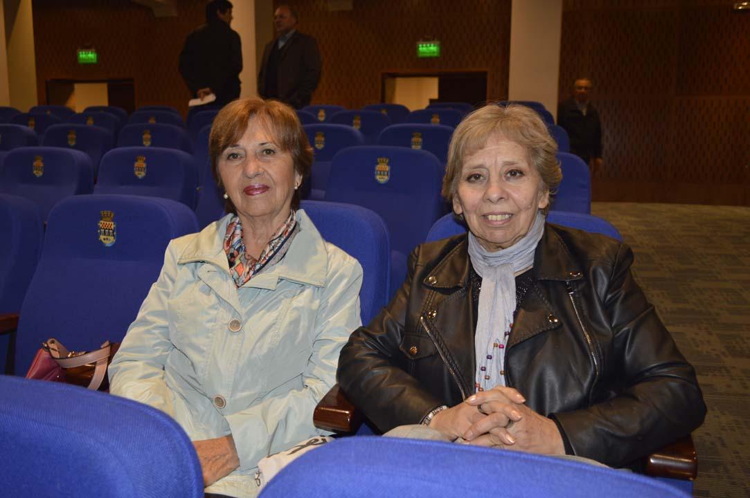 Estela Valdés y Carmen Salazar