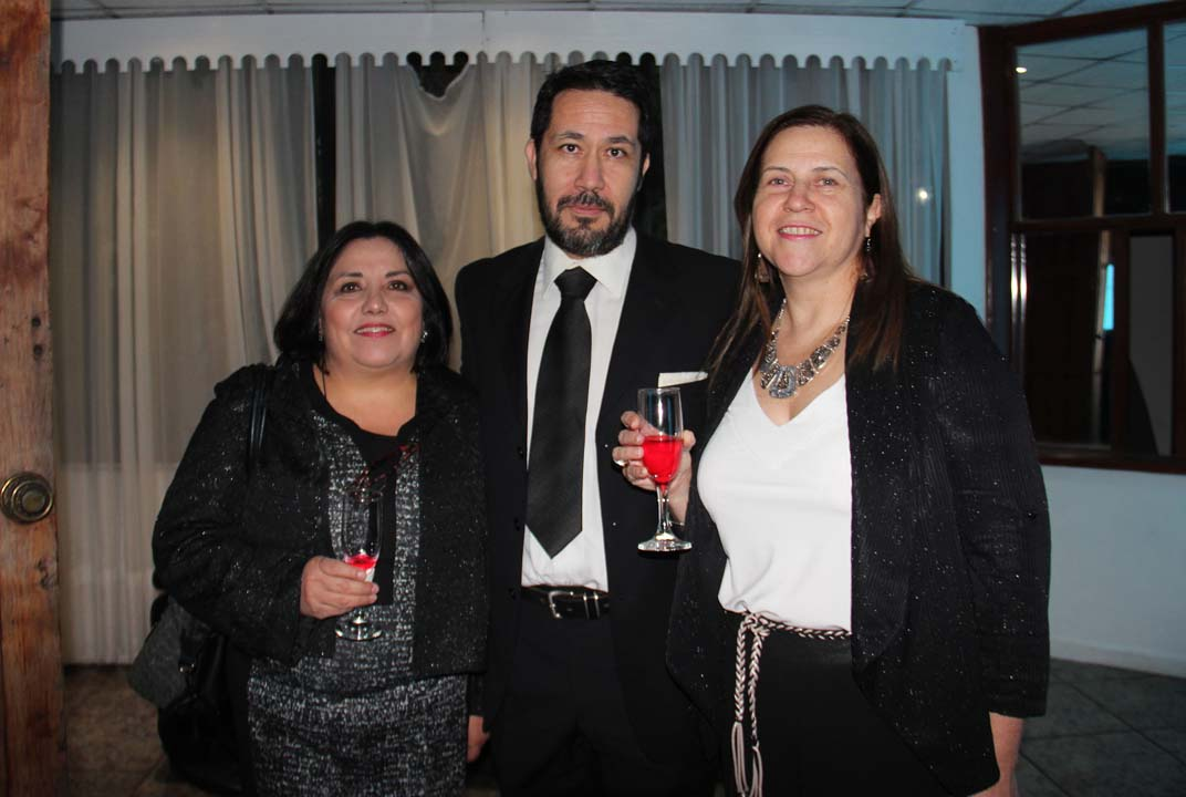 Gloria Araneda, Andrés Rubilar y Carlota Bustos