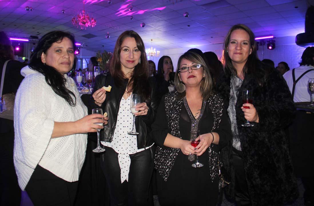 Catalina Cofré, Pamela Villablanca, Paulina Martínez y Carolina Herrera