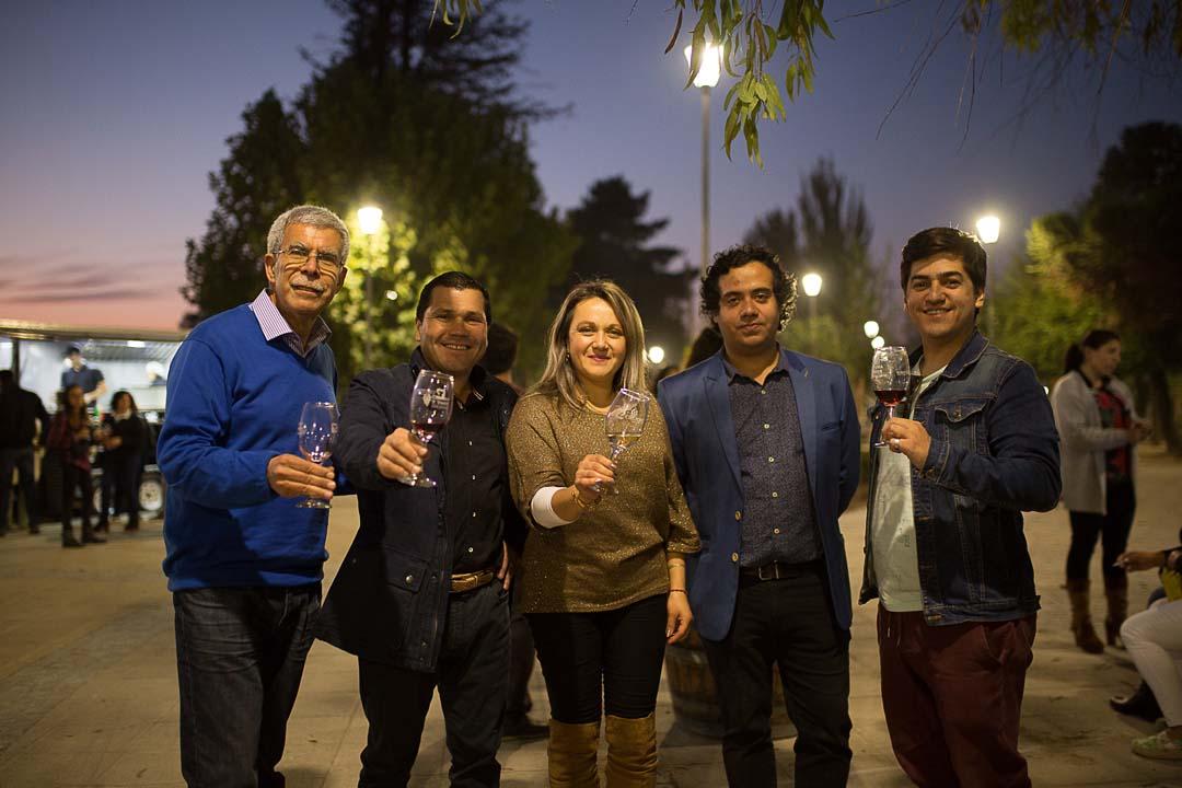 Raúl Espinoza (TV5 Linares), César Opazo (Viña Erasmo), Valesca Morales (Caliboro Aventura), Mario Astudillo (Sommelier Valle Loncomilla) y Sebastián Ortega (Asociación Sommelier de Chile)
