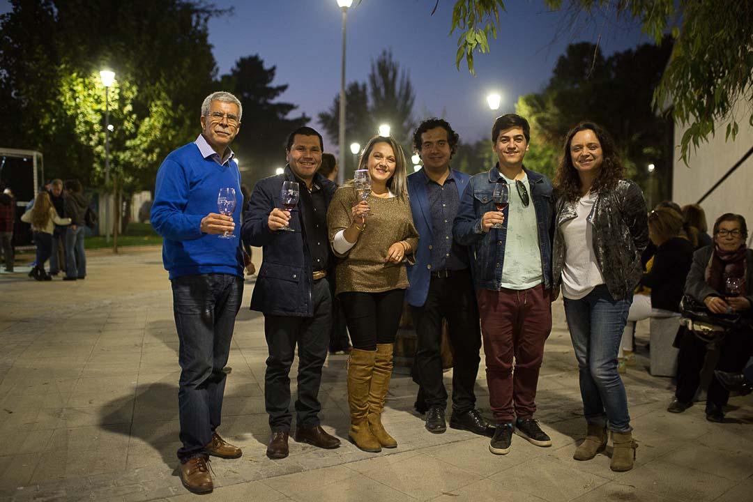 Raúl Espinoza (TV5 Linares), César Opazo (Viña Erasmo), Valesca Morales (Caliboro Aventura), Mario Astudillo (Sommelier Valle Loncomilla), Sebastián Ortega (Asociación Sommelier de Chile) y Marcela Leni