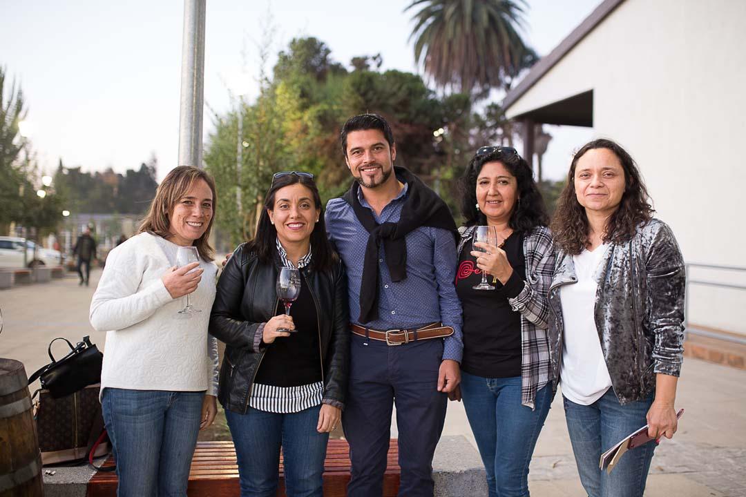 Blanca Carreño (CFT del Maule), Daniela Acuña (Viña Balduzzi), Miguel Fuentes (Caba Boutique del Maule), Paula Norambuena (CFT del Maule) y Marcela Leni