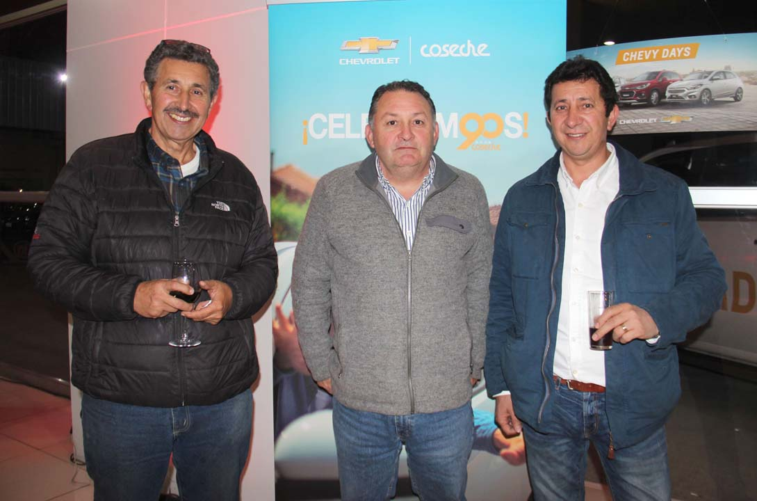 Salvador Bustos, Gastón Valdivia y Alex Bustos